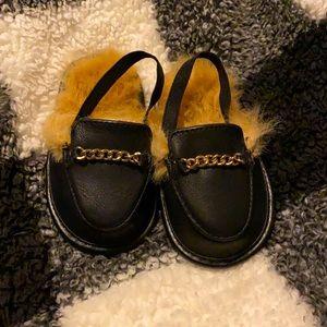 Baby Aldo size 3 fuzzy slippers